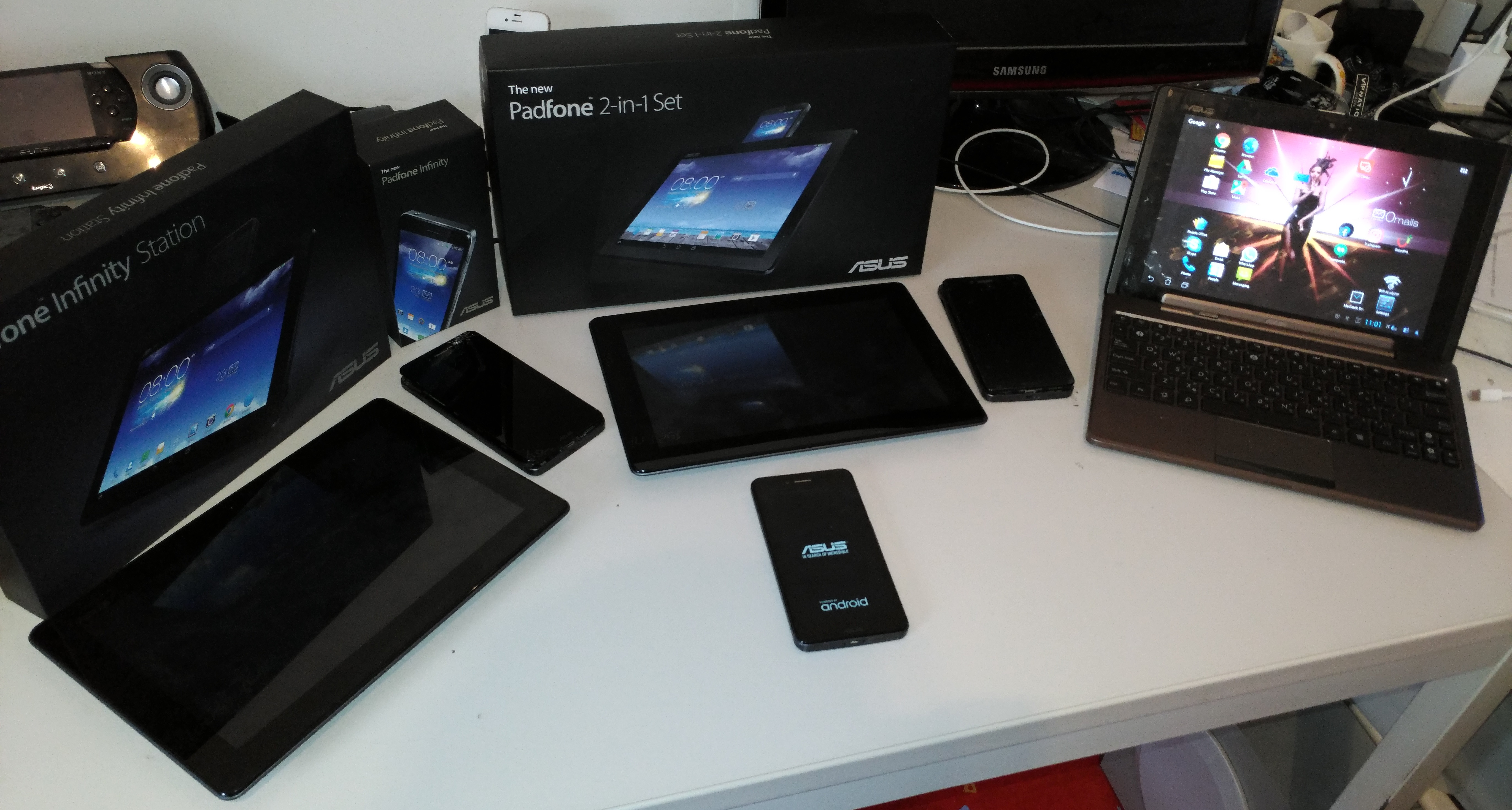 I started with the Padfone A66 Padfone Infinity A80 sample from Asus not on the photo and had 3 new Padfone Infinity A86 s which all 3 gave up on me